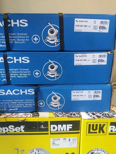 Kupplungssatz SEAT CORDOBA (6L2) 1.9 TDI 131 PS LUK RepSet Kupplungssatz DMF 600 0013 00