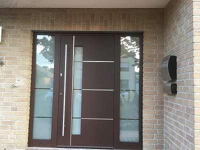 Garagentore - Haustüren - Hauseingangstüren Vollalu - vollflächig 80/100 mm (keine Füllungstüren) - RC-3 Rosenheim geprüft - U-Wert bis 0,67 - beidseitig flügelüberdeckend - stumpf einschlagend - 3 Bänder serienmäßig - Highlight: Magnetschwelle