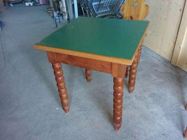 sonderpreis neu in regau florianistrasse 25 b uerlicher tisch mit gedrechselten beinen. Black Bedroom Furniture Sets. Home Design Ideas