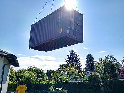 20 - 40 BOX NEU First Trip See Container