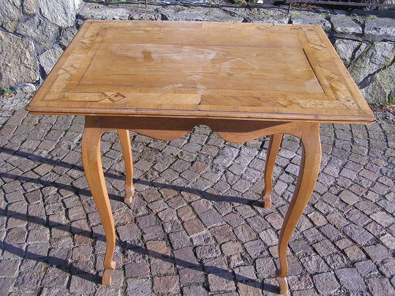 Bild 1 von 5 - originaler barocker Tisch mit Einlegearbeit - Intarsien