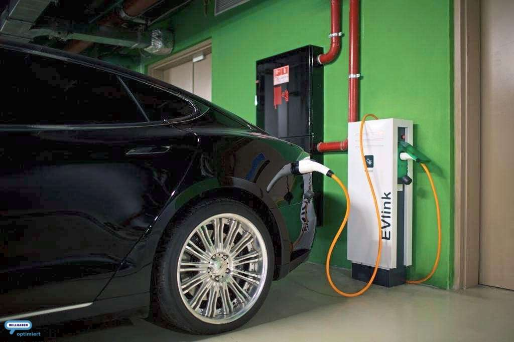 electric cars equipped with free charging points
