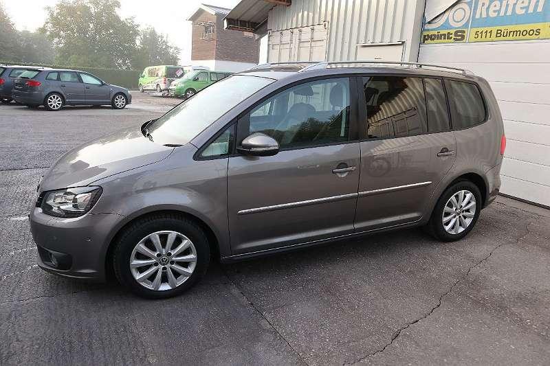 Bild 1 von 15 - VW Touran Sky 1,6 BMT TDI DPF Kombi / Family Van