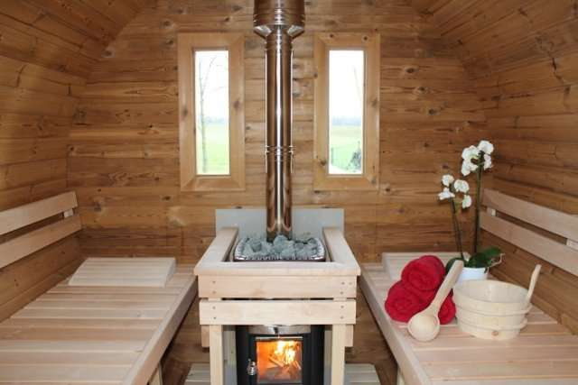 Jetzt Mieten und Testen! www. Saunamobil. at -Mobile Sauna und Wellness Erlebnis mieten oder Kaufen! Auszeit und Entspannung! Die Geschenk Idee ! - Saunamobil - Dein privates Saunafass auf Anhänger und Spa.