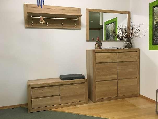 garderobe mit sitzbank aus eichen massivholz 2130 mistelbach willhaben. Black Bedroom Furniture Sets. Home Design Ideas