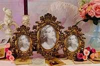 Herrschaftlich! Prunkvoller Rahmen aus Kunstharz für 3 Bilder Stehrahmen Bilderrahmen Fotorahmen Erinnerung Geschenk