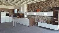 Super große Küche (Messeneuheit) mit allen Geräten und dazupassender Wohnwand, statt LP ? 27.660 nur ? 13.830, -