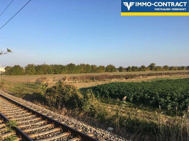 Bild 1 von 6 - Entlang der Bahnlinie gelegen