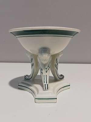 Gewürzschälchen d. Wiener Porzellanmanufaktur auf 3 Engelfüßen, Alt Wien Porzellan