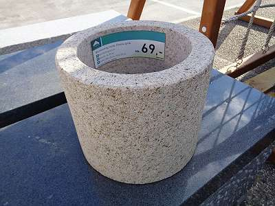 Granit-Blumentrog