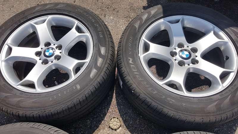 4 Stk. Original BMW X5 Alufelgen 18 Zoll mit Sommerreifen Pirelli gebraucht