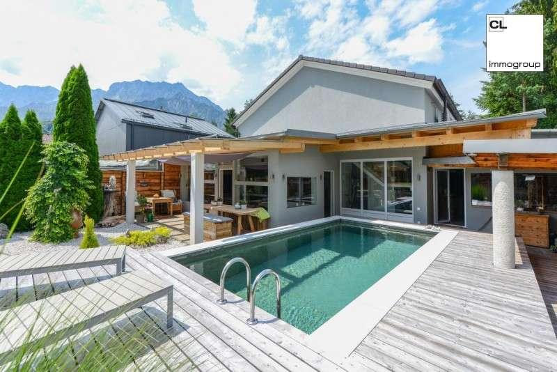 Bild 1 von 15 - Traumhafte Designer-Villa im Luxus-Stil - mit Pool, schönem Ausblick und Top-Ausstattung (