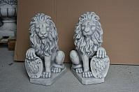 Löwen verschiedene Modelle im Sortiment