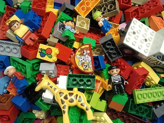 1 kg lego duplo bausteine duplosteine m nnchen auto tier 25 90 4651 stadl paura willhaben. Black Bedroom Furniture Sets. Home Design Ideas
