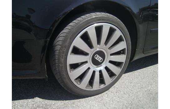 Audi A4 Avant 2,0 TDI quattro DPF Le Mans Edition Kombi