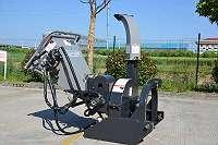 Holzhacker Holzhäcksler Hackschnitzel Häcksler Hacker Eigenölversorgung BX52RF hydraulischer Einzug