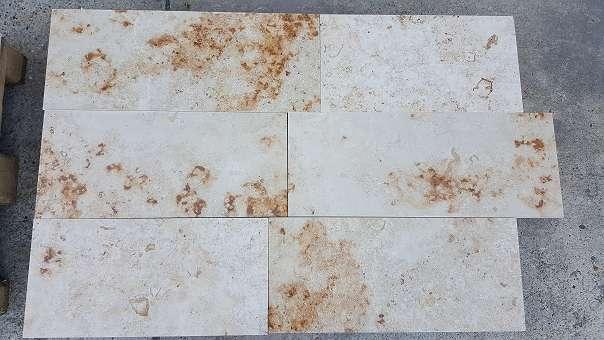 kalkstein jura beige poliert freie bahnen 30cm breit 2cm stark bodenplatten aus naturstein. Black Bedroom Furniture Sets. Home Design Ideas