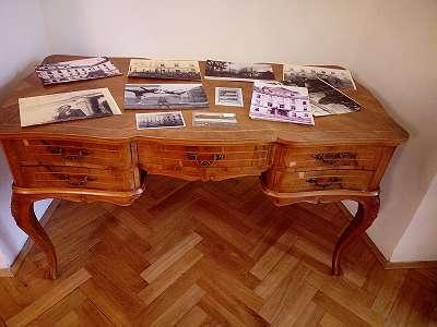 A90 Schreibtisch