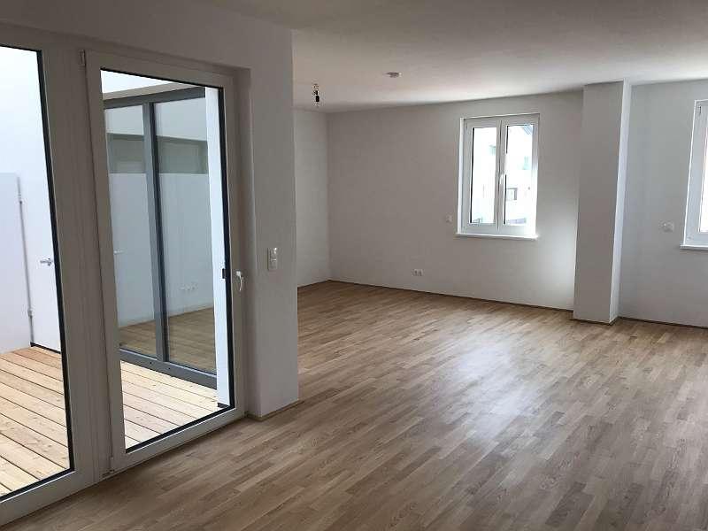 Bild 1 von 7 - Wohnzimmer