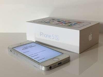 iPhone 5S 16GB offen für alle Netze - mit Gebrauchsspuren