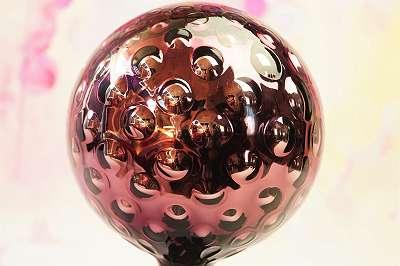 ROSENKUGELN! Traumhaft schön und funkelnd! Märchenhafte Rosenkugeln aus Glas für Garten, Balkon und große Zimmerpflanzen! bunte Deko lila / violett