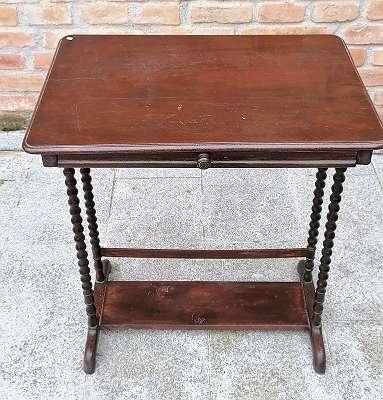 Schreibtisch / Beistelltisch mit Lade / Laptop Tisch