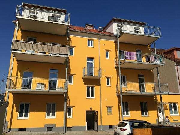 Bild 1 von 7 - Innenhof