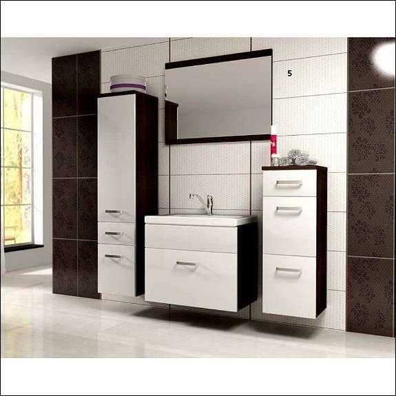badezimmerset mit waschbecken und spiegel badm bel in