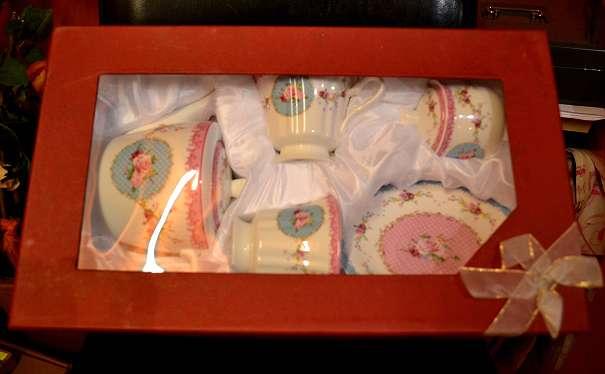 Süßes Geschenk Dabei Praktisch Kaffee Tee Box In Schönem Box