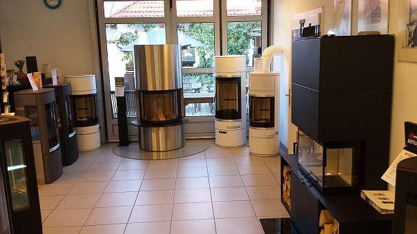 kaminofen ofen gusseisen jotul 105ll f r kleine r ume. Black Bedroom Furniture Sets. Home Design Ideas