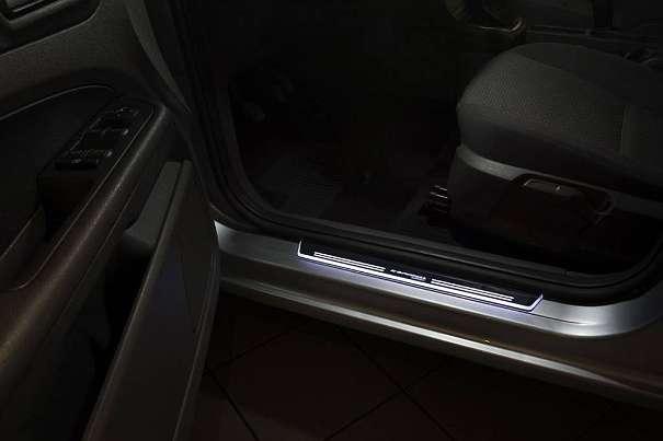 Passgenaue Einstiegsleisten aus Edelstahl oder LED ab 39,99 ¤