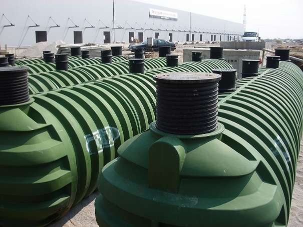 500 liter wassertank wasserzisterne regenwassertank regenwasserzisterne zisterne. Black Bedroom Furniture Sets. Home Design Ideas