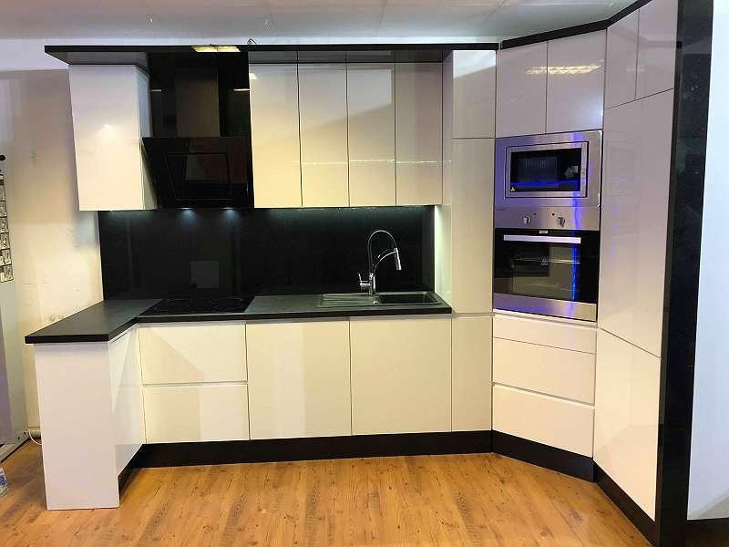 Designer Einbauküche Küchen nach mass, € 2.999,- (1160 ...