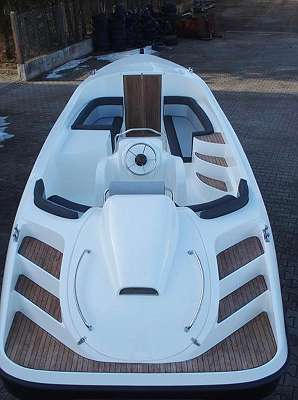Slup Tender mit Kabine Elektroboot - Motorboot P700 Tender