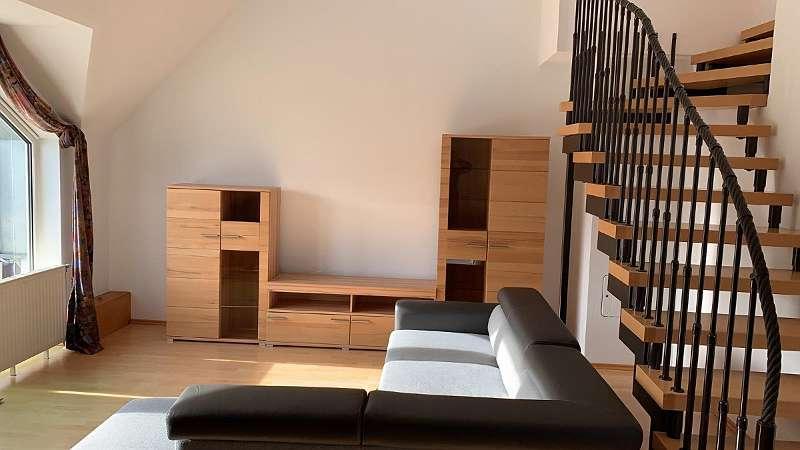 Eigentumswohnung mit Galeriegeschoß und 2 Balkonen