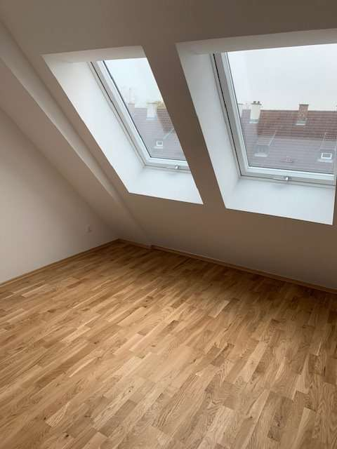 helle Dachgeschosswohnung mit 2 Zimmer ERSTBEZUG (Provisionsfrei)