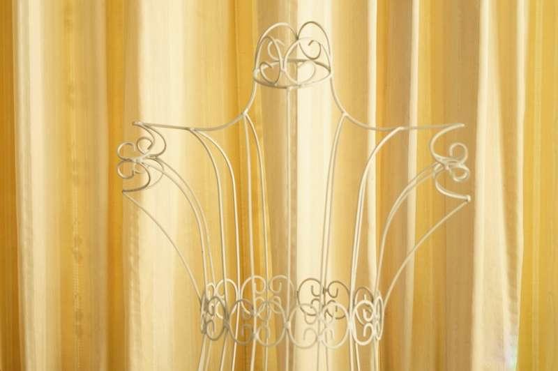 Kleiderpuppe aus Metall im romantischen Design! Kleiderständer Stummer Diener Deko Puppe Gartenfigur Memobord Kettenständer Display Frau Torso Halter Shabby Vintagelook Retro Rankhilfe Geschenk schenken Schneiderpuppe