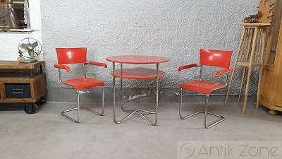 Hynek Gottwald   Tisch und Stühle