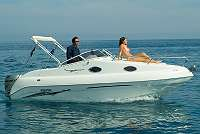 Bahia 20 bei Adlhart Boote zu besichtigen
