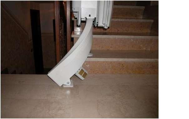 kurventreppenlift von saniplus 199 9773 irschen willhaben. Black Bedroom Furniture Sets. Home Design Ideas