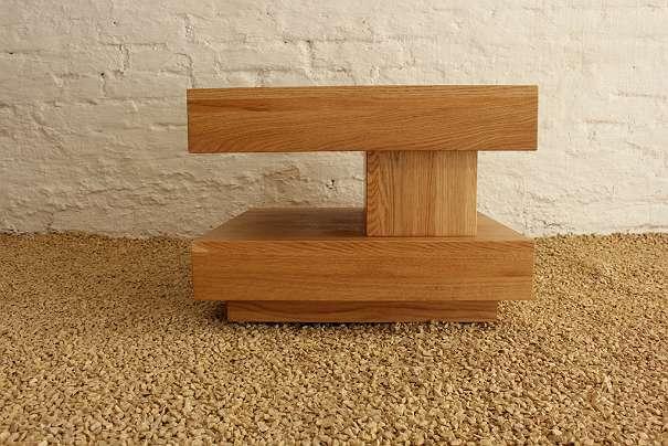 designer couchtisch 60x60x45 eichenholz massiv 420 1180 wien willhaben. Black Bedroom Furniture Sets. Home Design Ideas