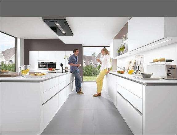 Grifflose Lack Ultra-Hochglanzküche mit TOP-Ausstattung zu einem super günstigen Laufmeterpreis!