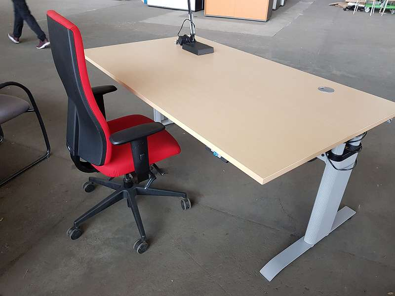 BENE Elektrischer Schreibtisch, 180 X 100 Cm, € 660