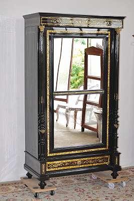 Atemberaubend schöner original Makart Bücherschrank schwarz, vom Fachmann restauriert; mit Spiegelfläche , Makartschrank, Makartkasten, 108cm breit