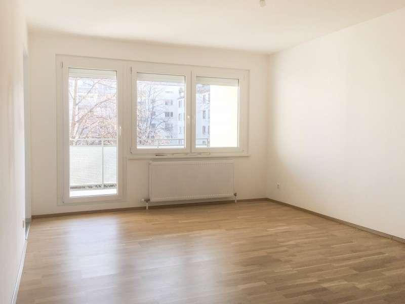 Bild 1 von 8 - Wohnzimmer