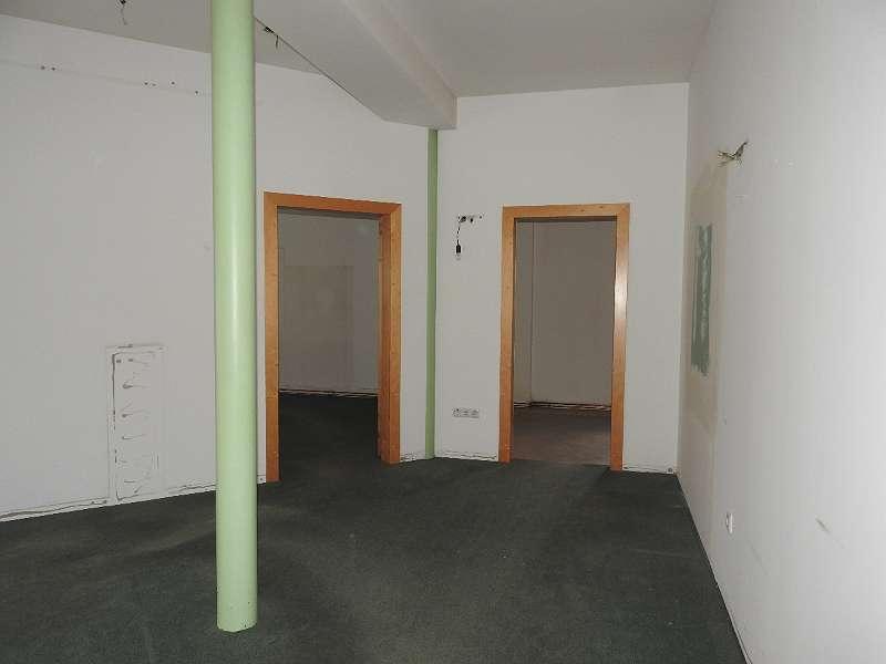 Eingang zu den zwei Büros