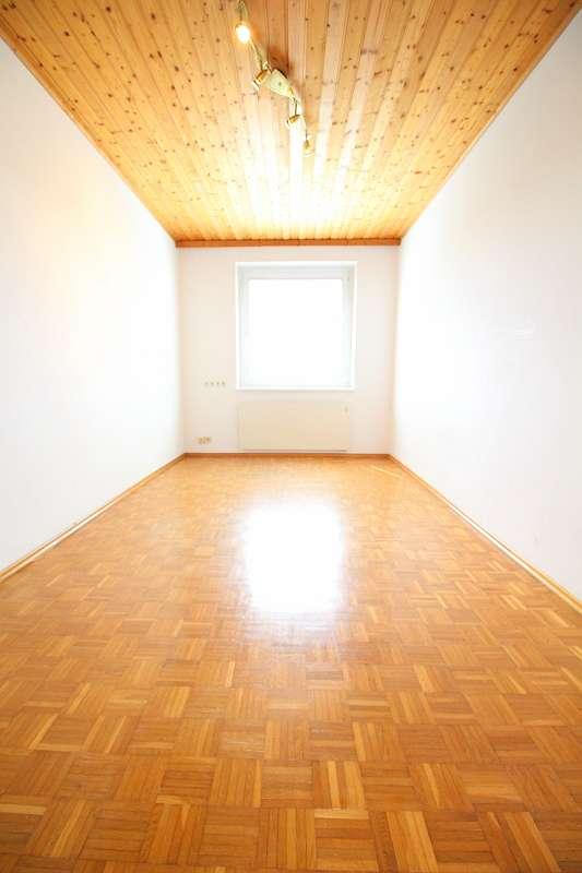 Zimmer 1 neben dem Wohnzimmer