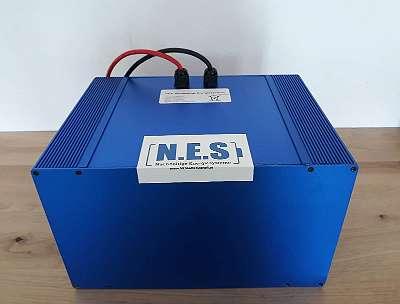 48V 110Ah Lithium Ionen Akku + Ladegerät Batterie Boot PV Motorroller Quad eBike