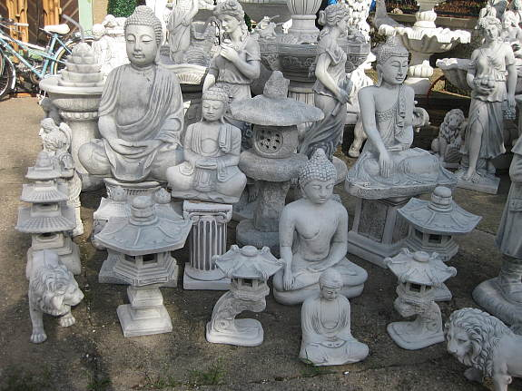 Steinfiguren Garten chinesische le buddha steinfiguren teich figuren japanischer