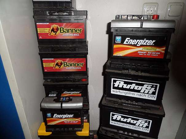 neue preise neue autobatterie starterbatterie markenbatterie batterie mit garantie aktion neu. Black Bedroom Furniture Sets. Home Design Ideas